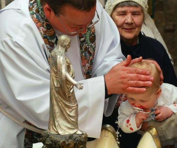 Ristimine Paide Püha Risti koguduses